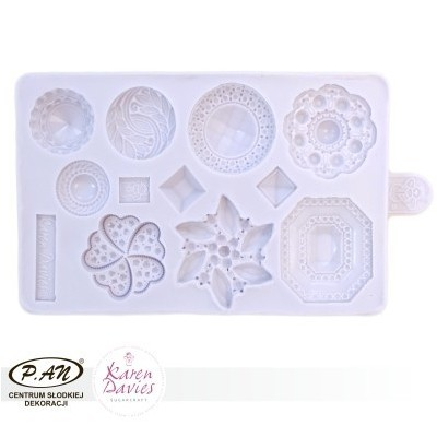 Knietted piece mould